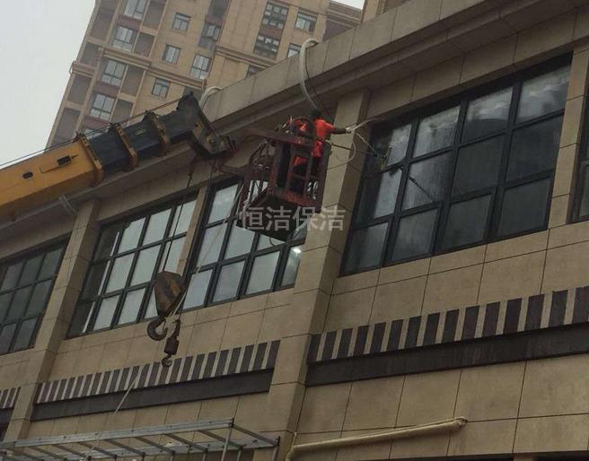外墻玻璃清洗-六安保潔公司